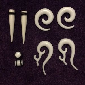 Jewelry - Acrylic ear plugs/tapers for size 00g